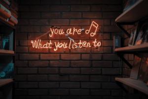 des idées de playlist musique pour la soirée